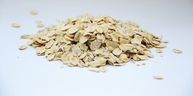 picture of oatmeal that is ground to become colloidal oatmeal